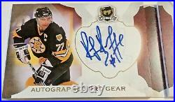 16-17 Upper Deck THE CUP Ray Borque AUTOGRAPHED PRO GEAR BRUINS AUTO BOOKLET /12