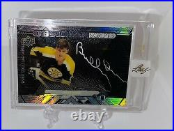 2017-18 Upper Deck Black Employee Exclusive On-Card SSP Auto Bobby Orr Bruins