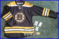 Boston Bruins 2011 Stanley Cup Full Team Signed Jersey